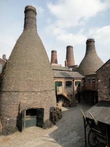 Bottle kilns in pottery. Image courtesy of the Potteries Museum and Art Gallery, Stoke-on-Trent