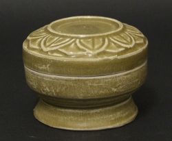 Five Dynasties or Northern Sung celadon box with lotus flower decoration, Yueh - courtesy R&G McPherson Antiques